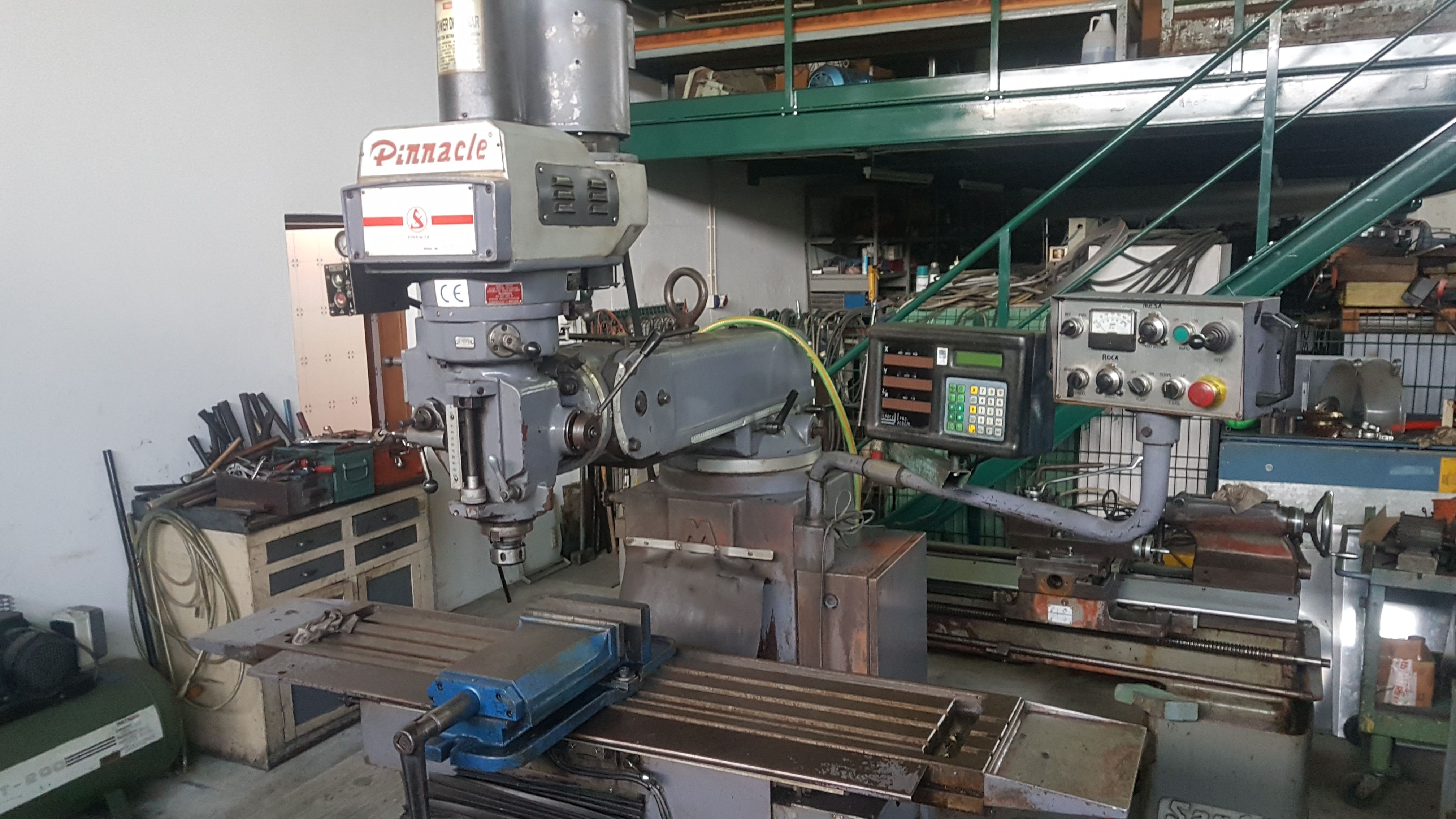 PINNACLE MACHINE TOOL MILLING MACHINE