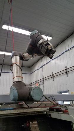 universal-robots-ur10-2013